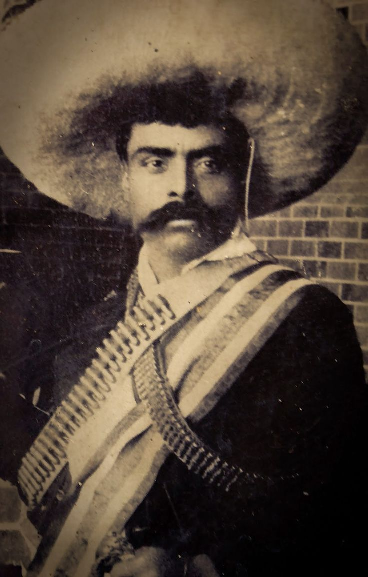 El Kronoscopio: 6 de diciembre de 1914 - Las tropas de Pancho Villa y de Emiliano Zapata ocupan el Palacio Nacional en la Ciudad de México