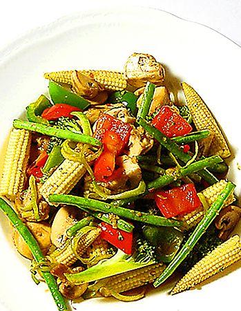 Wokade grönsaker med härlig woksås | Recept.nu