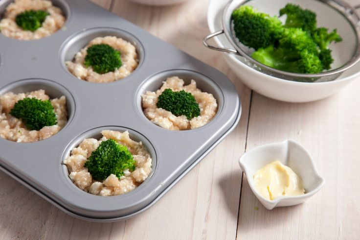 Куриные маффины с творогом и брокколи - пошаговый рецепт с фото: Вкусные, полезные и быстрые в приготовлении. - Леди Mail.Ru