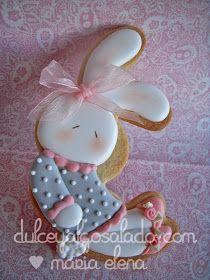 dulce y algo salado-cursos de galletas decoradas: Galletas bebe,en tonos rosas,blanco y gris.