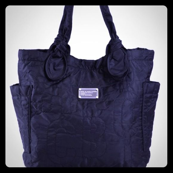 Marc Jacobs Pretty Nylon Tote Barely used, awesome purse, especially great for travel or as a book bag :) Marc Jacobs Bags Totes