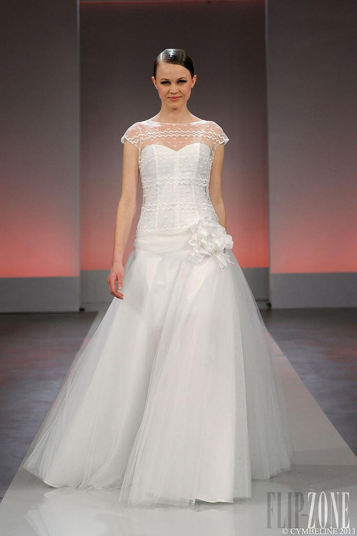 "Cymbeline - Bridal - ""Les vintages"", 2013 collection - http://en.flip-zone.com/fashion/bridal/ready-to-wear/cymbeline-3846"