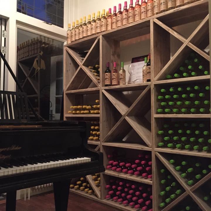 Rangement vin en ancien bois d'échafaudage de chez Pays Bois
