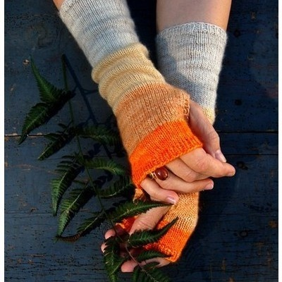 Crochet Wrist Warmers.. I need to learn how to make these!!!