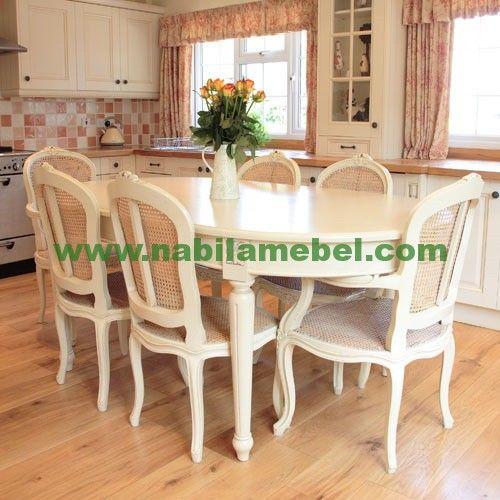 Meja Makan Modern Klasik Murah merupakan furniture jepara yang berdesain minimalis produk terbaru mebel jati.