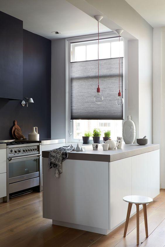 25 beste idee n over kookeiland verlichting op pinterest eiland verlichting keuken hanglamp - Kleine witte keuken ...