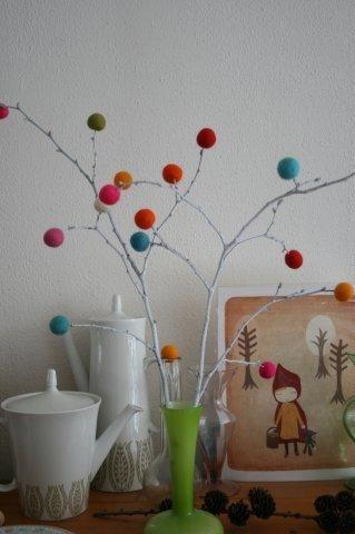 felt ball tree.....nice card too!