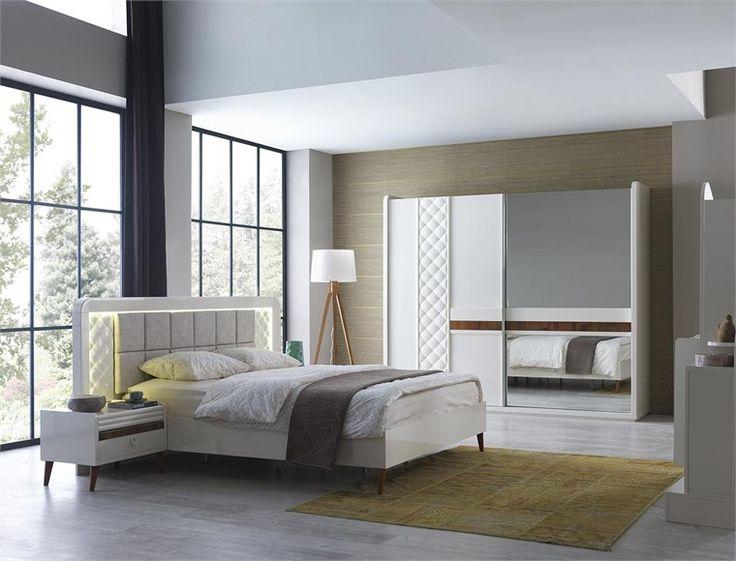 Siri Yatak Odası