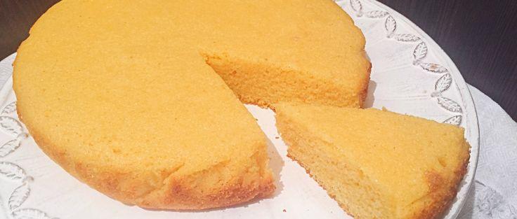 Torta con Farina di Mais Senza Burro, ovvero Bolo de fubà, il dolce brasiliano realizzato con ingredienti semplici dal gusto dolce delicato e molto goloso!