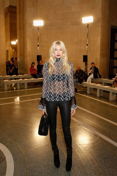 Jessica Hart - Christopher Kane Spring/Summer 2017 Ready To Wear Front Row - September  2016 | British Vogue
