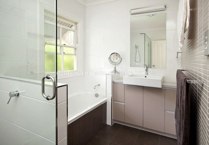 Beautiful bathroom in Hawthorne by #Brisbane #Architect Dion Seminara Architecture