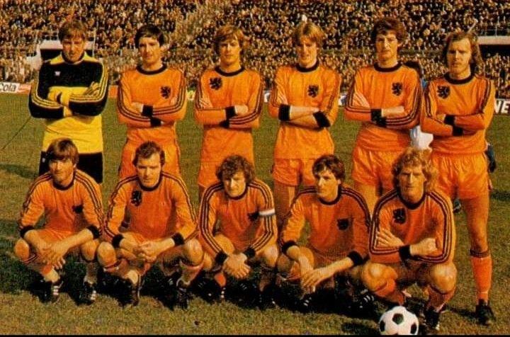 Pin De Fabian Suppo En Fútbol Internacional Equipo De Fútbol Seleccion De Holanda Holanda