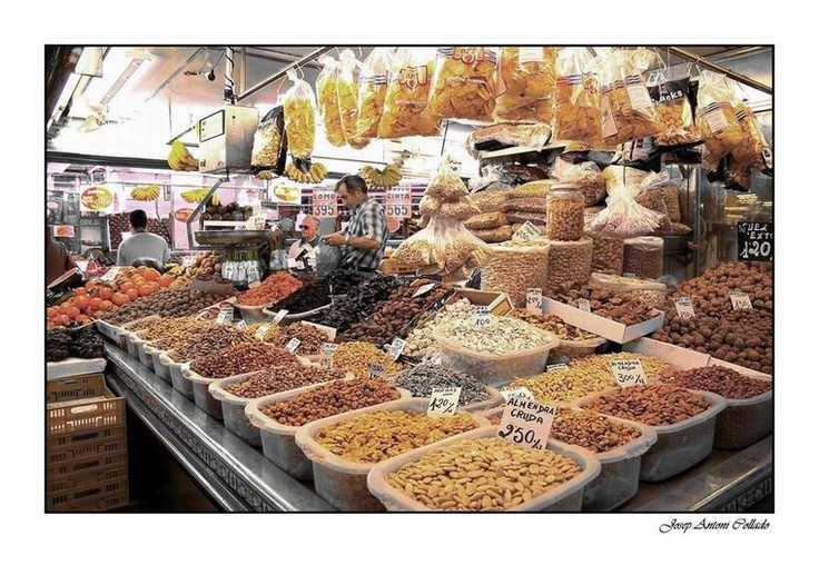 Mercado Central, Valencia, olivas y taperas para ensalada...y aceitunas y variantes por capricho
