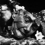 Witkin proyecta lo que para los humanos resulta feo, extraño o no grato. Hace un tratamiento del concepto de la muerte lejano a la oscuridad.