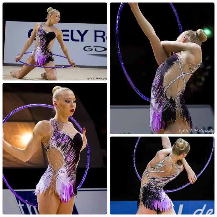 Kseniya Moustafaeva (France), hoop 2015, music ''Sling The Decks'' by The Crystal Method