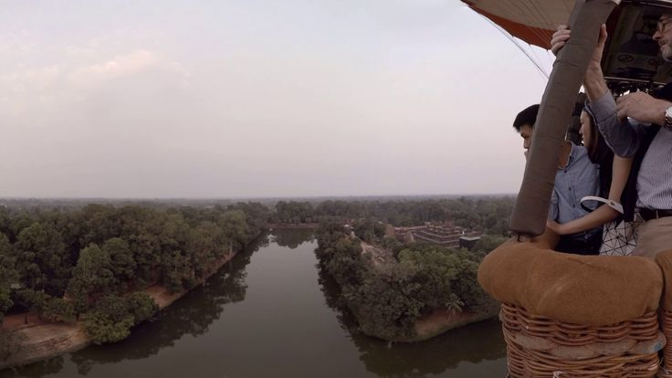 360 video: Balloon Ride over Bakong Temple, Siem Reap, Cambodia / A beautiful 9th-century temple that is often missed. The architecture of this temple suggests that there has been a cultural exchange between the Khmer kingdom and Java because Bakong looks very similar to Borobudur - a temple in Java. Marvel at the detailed carvings on the bas relief. There are plenty picture-taking opportunities in the temple's surroundings.