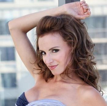Samantha Sarcinella (Kyle Busch)