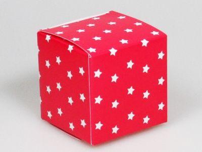 Cupcakes rood kubus doosje ster € 0,55 /stuk - per 25 stuks