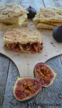 Cucina del Lazio: pizza bianca con prosciutto e fichi