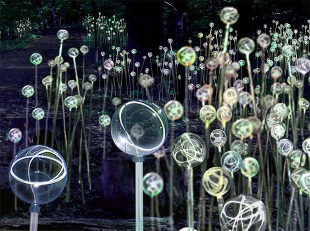 Un artiste a décidé de donner vie à un jardin en l'illuminant de milles feux pour un résultat incroyable et magique. Découvrez le à travers plusieurs photos plus belles les unes que les autres sur DGS. Bruce Munro est un artiste designer spécialis...