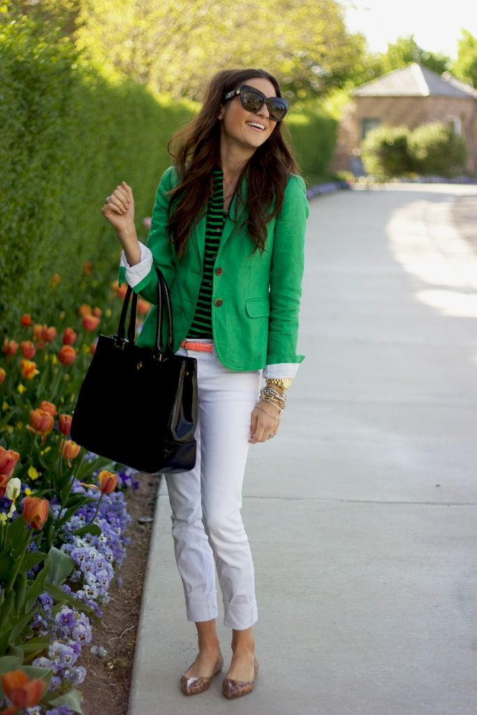 Green: Preppy Style, Fashion, Green Blazers, Colors Blazers, White Pants, Kelly Green, Work Outfits, White Jeans, Pink Peonies