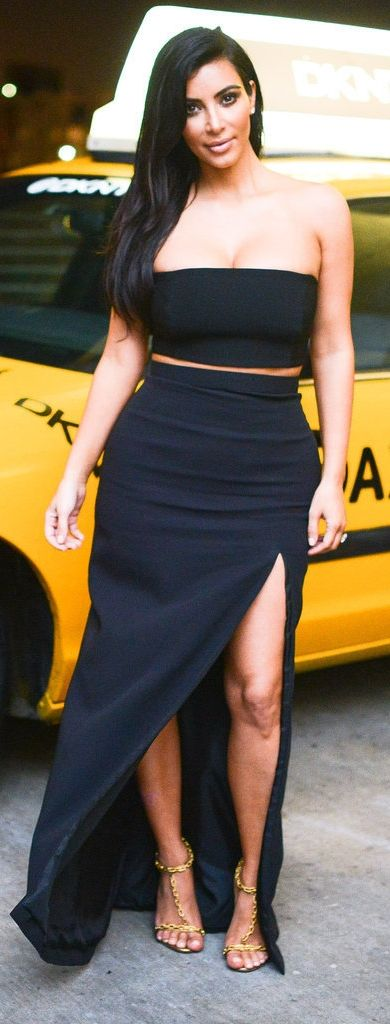 Kim Kardashian's Two-Piece Set Doesn't Even Go Together — but It Is Amazing