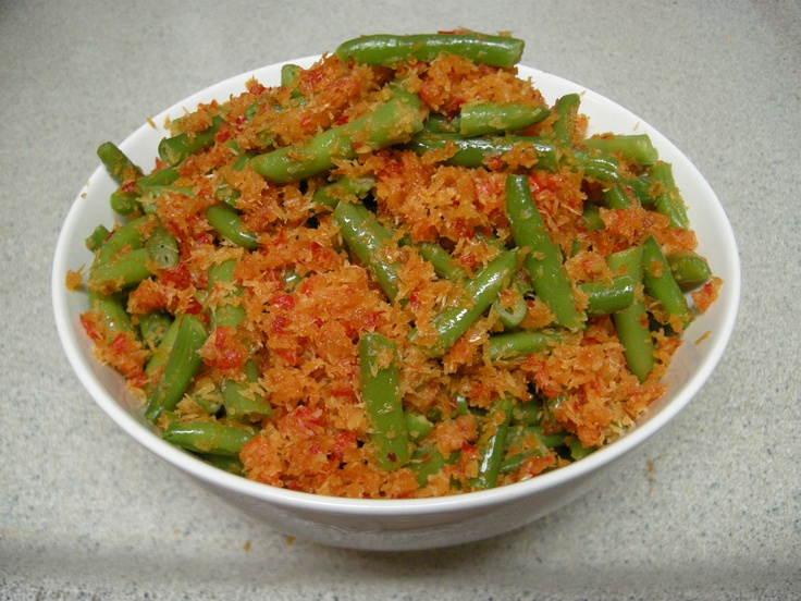 buncis sambal kelapa - green beans with spicy roasted grated coconut
