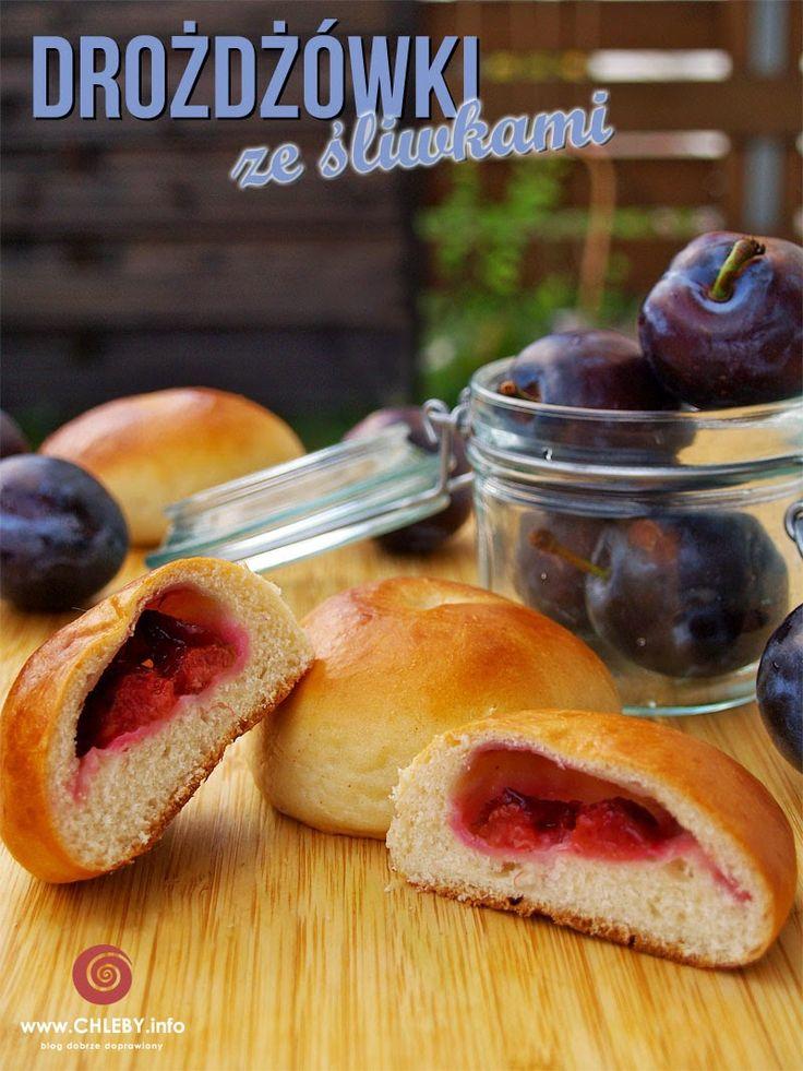 Pieczenie chleba i inne przepisy: Drożdżówki ze śliwkami