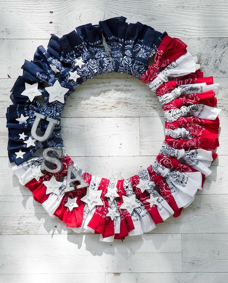 Create a patriotic bandana wreath Hereu0027s what