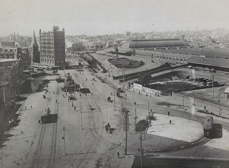 Central Railway Station balloon loop, 1908. Note the tall building on the left was the Railway employment office for many years.