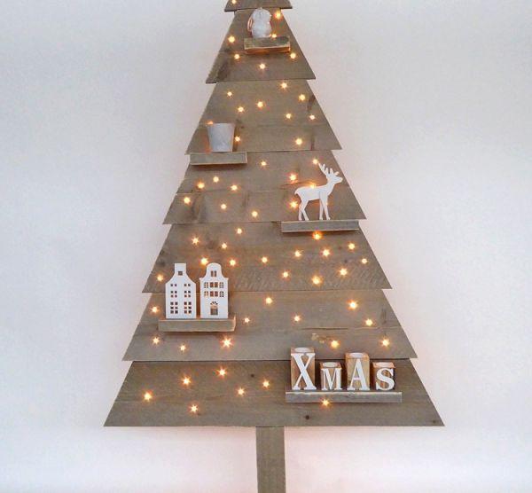 /uploads/webshop/steigerhout-kerstboom-met-led-lampjes.jpg