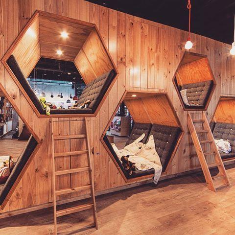 Дайджест дизайн. Книжный магазин-кофейня Колумбия.