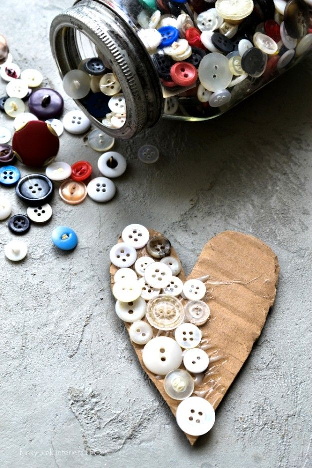 card, glue, buttons ... how easy!
