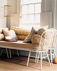 Daybed made from four vintage chairs.Crafts Ideas, Guest Bedrooms, Daybeds Ideas, Windows Seats, Chairs Benches, Dining Chairs, Cribs Mattress, Mattress Ideas, Dining Room Chairs