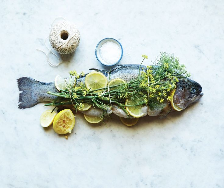 citrus recipes Whole roasted fish with lemon and fennel flowers