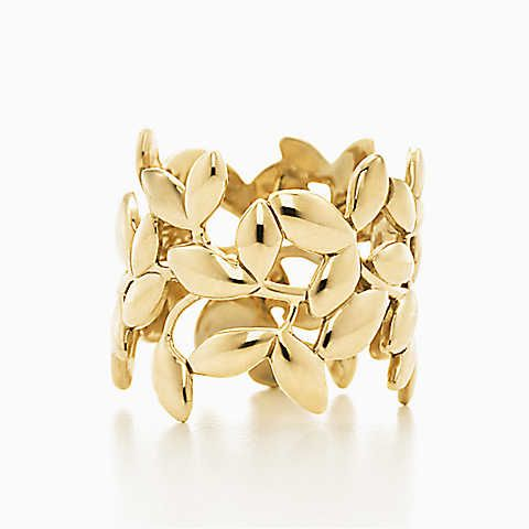 Paloma Picasso® Olive Leaf band ring in 18k gold.