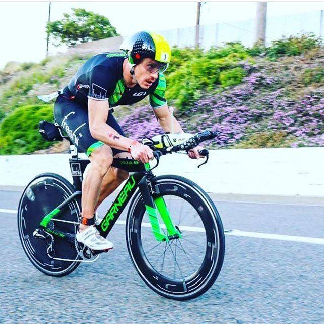 Lionel Sanders was just crowned World Champion at the #ITUworldchampionships in Penticton, BC, Canada. Way to go @lsanderstri, it must be an amazing feeling to #LiveYourDream - you inspire us to live ours! (Regram from @lsanderstri ) #Garneau #GarneauCustom #garneaucycling #GarneauTriathlon #worldchampion #worldchampionships #triathlon #triathlete #triathletesofinstagram #athletesofIG #athleteswhoinspire #triathletelife