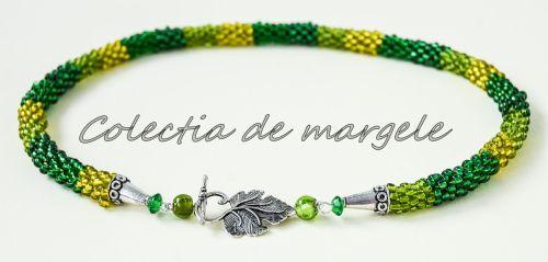 Secret garden - corchet beading necklace www.colectiademargele.ro