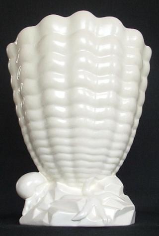 Titian shell vase