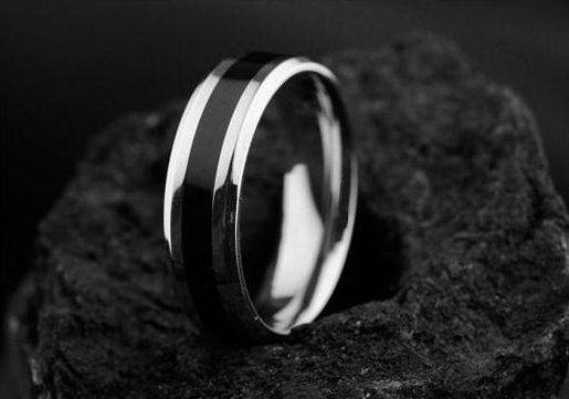 ¡ VENTA! Anillo de titanio con venda de boda de Inlay.Titanium negro. Boda Bands.Titanium anillo de compromiso de los hombres, anillo de compromiso de titanio Ring.Mens.