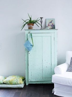 armoire menthe    LOVE this. I would like it a little bit more if the top half was glass and then the bottom was just a door. But I really like the destressed look and the paint.
