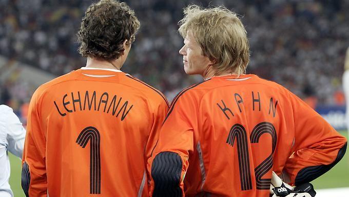 Freunde fürs Leben: jens Lehmann und Oliver Kahn bei der WM 2006. Wer wer ist, steht drauf.