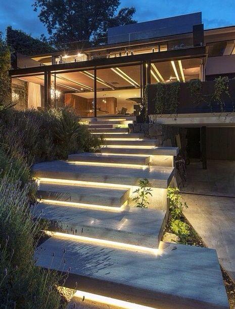 Iluminando escadas externas