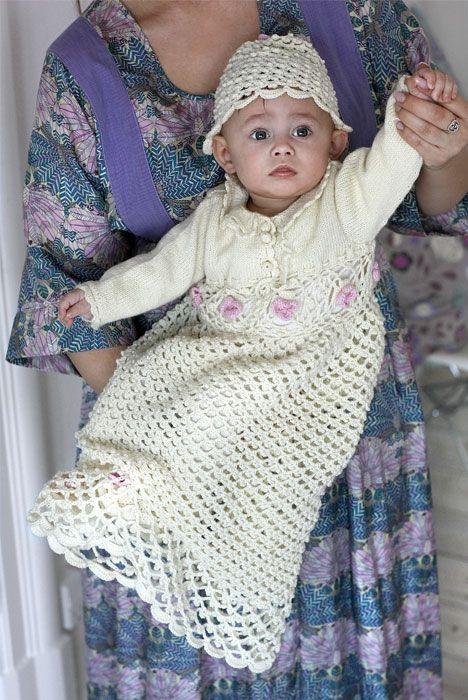Skøn dåbskjole, hue og støvler - Hendes Verden