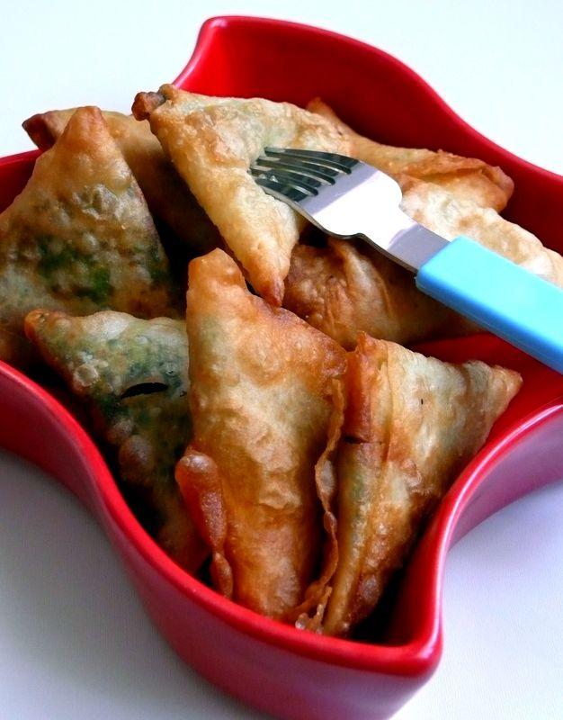 O Tabak Bitecek !!!: Pazılı Kaşarlı Mısır Unlu Muska Böreği..