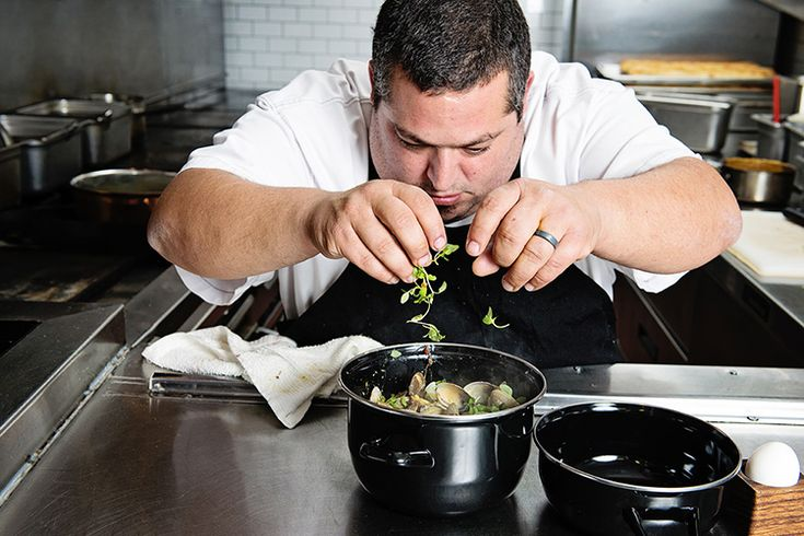 Chef Eric Greenspan stirs up a delicious clam and pasta dish at Mare on Melrose for Matfer Featured Chef Spotlight | Matfer Bourgeat USA baking utensils