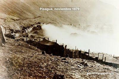 Aspecto del incendio de Pisagua al tomar posesión del puerto las tropas del Ejército chileno.  Tomado del blog de Jonatan Saona http://gdp1879.blogspot.com/2012/11/fotos-de-pisagua.html#ixzz4jeVGFajg