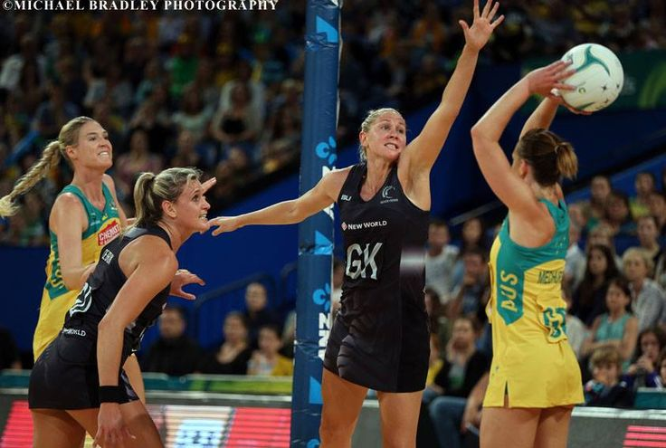 30.10.2015 Silver Ferns Casey Kopua and Australia's Natalie Medhurst in action during the Silver Ferns v Australian Diamonds netball test match played at Perth Arena.