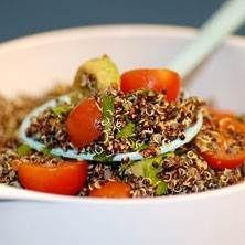 Svart quinoa med avokado och cocktailtomater *added sundered tomato and spinach