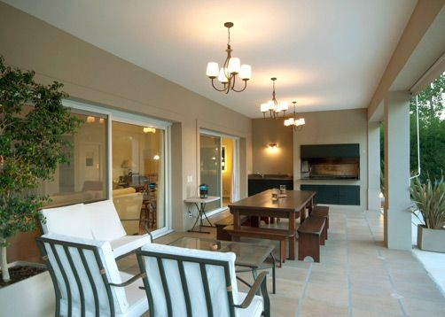 Galería por Estudio Clariá Arquitectura. Mirá la casa completa en www.PortaldeArquitectos.com
